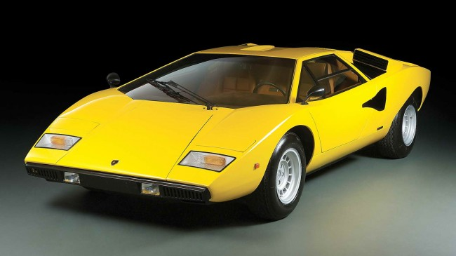 Playboy_25_Mejores_Coches_15-650x365.jpg